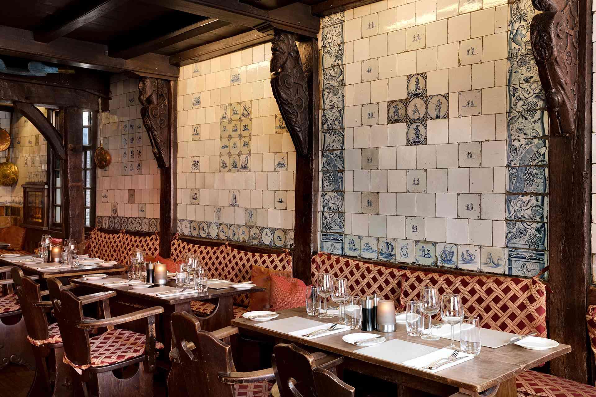 https://www.vijffvlieghen.nl/assets/dist/img/about/restaurant-bg.jpg